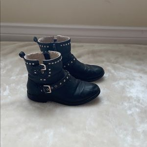 🍁3/$25🍁 ZARA ANKLE MOTORCYCLE BOOTS